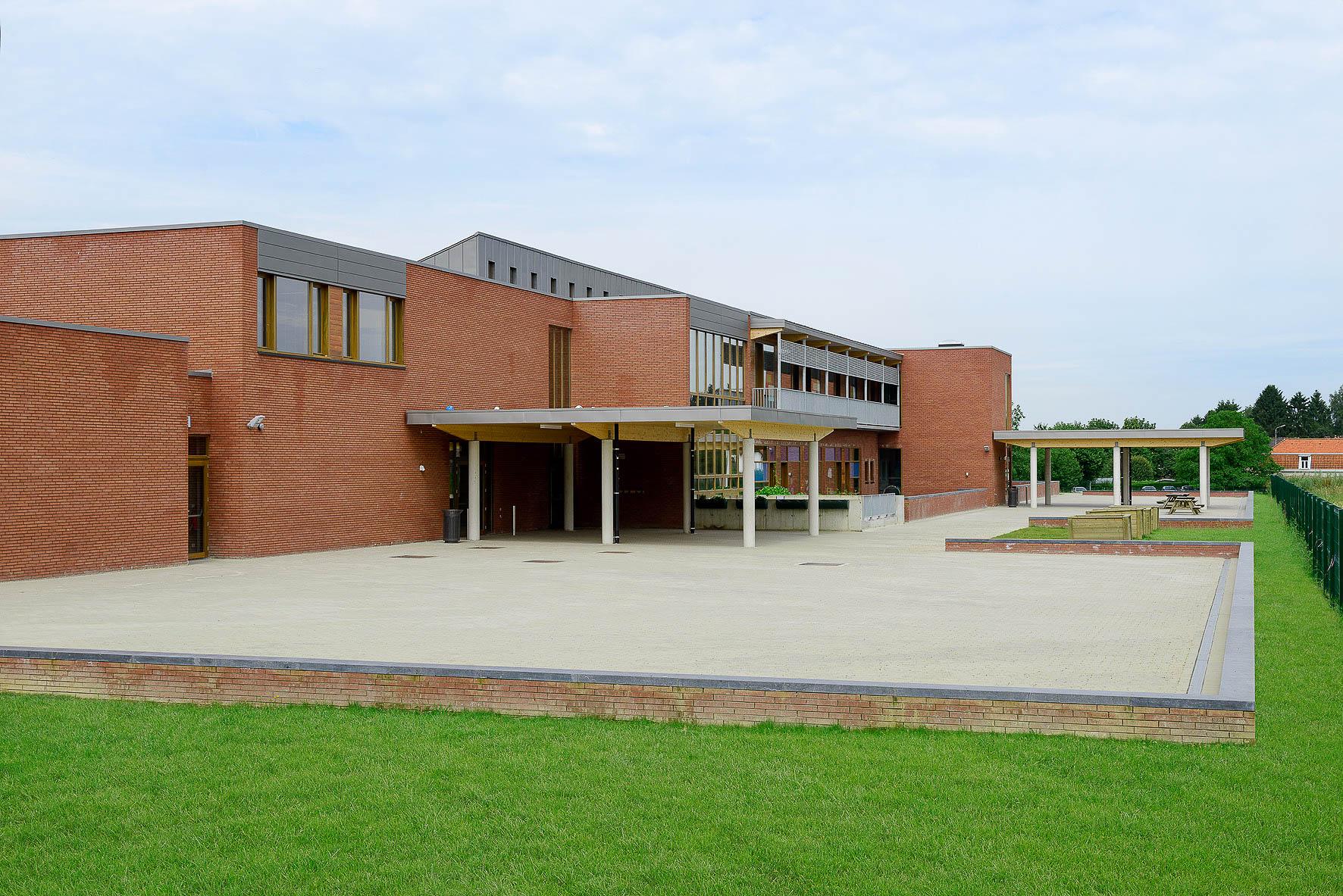 Bureau architecture genval: bureau greisch École maternelle et