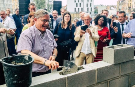 Etterbeek administrative centre – the first stone is laid!