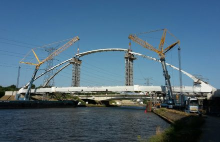 Bridge of Herentals-Lier – the structure of the arch is raised