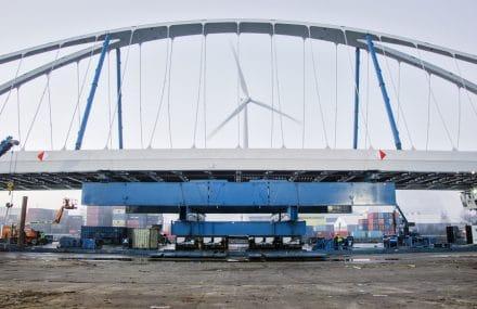 Canal Albert : le troisième pont sur sept est posé