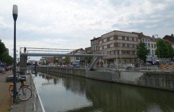 Gosselies voetgangersbrug te Molenbeek