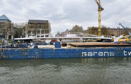 De hoofdoverspanning van de Suzan Daniel-brug is geplaatst